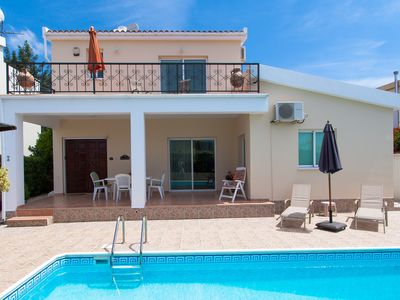 Photo for Luxury Self-catering Villa In Quiet Location With Large Private Pool