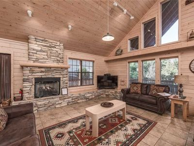 Photo for Wine N Pines, 2 Bedrooms, Sleeps 6, Hot Tub, Fireplace, Flat Panel TV