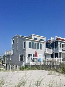 Photo for Luxury Oceanfront with Private Beach Access