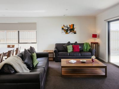 Photo for ATARHI VILLA 22 - MELBOURNE