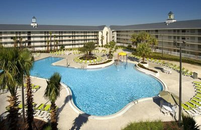 Photo for RARE FIND! CLOSE TO UNIVERSAL AND CONVENTION CENTER. FOUR COMFY UNITS FOR 16 GUESTS, POOL, SHUTTLE