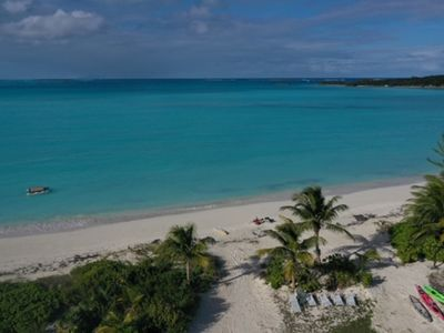 Photo for 'ON THE BEACH' CORAL SANDS SPACIOUS One KING Bedroom Apartment  & TURTLES!
