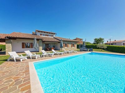 Photo for Holiday house Bencani for 6 - 8 persons with 3 bedrooms - Villa