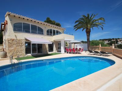 Photo for Comfortable villa directly at the golf court, sea-views, pool, air condition, In