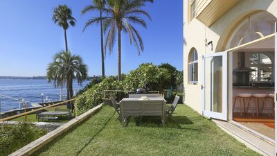 Photo for 3BR Apartment Vacation Rental in Kirribilli, NSW