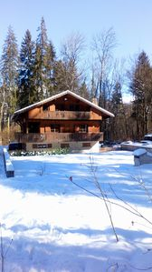 Photo for Spacious chalet sleeps up to 12, Hot Tub, 400m walk to ski lifts