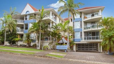 Photo for 3 Mainsail - Walking Distance to Town Beach!