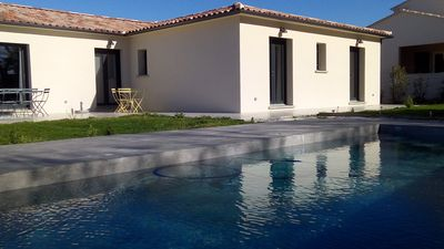 Photo for Contemporary house near Uzès, swimming pool