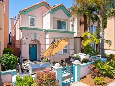 Photo for Stylish home with rooftop patio w/sunset views! 3 blocks to beach