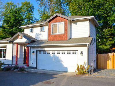 Photo for Alderwood Retreat - Sleep up to 8 - Weekly and Monthly Rate Available