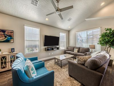 Photo for Gorgeous townhome w/shared pool & hot tub - dogs OK, near Zion