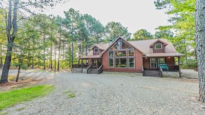 Fishing Bear Lodge 4 Bedroom, 3.5 Bath, Hot Tub, Playground & Foosball-Sleeps 10