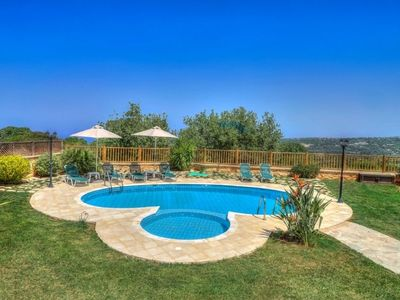 Photo for 4 bedroom Villa, sleeps 8 in Vederoi with Pool, Air Con and WiFi