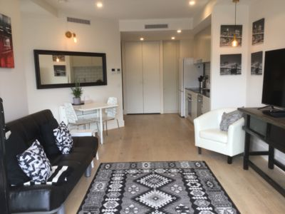 Photo for Self-contained one bedroom apartment - Kingston Foreshore on your doorstep
