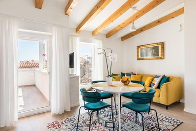 Magic Terrace Apartment Among The Old Rooftops Next To Diocletian S Palace Split Town