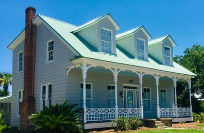 "Photo for Prime location! ""The CHARM"" circa 1850s in Historic Downtown Fernandina Beach!"