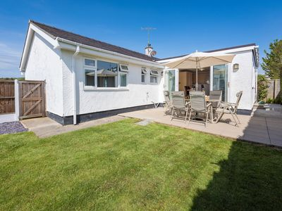 Photo for Ty Hwyliog - Four Bedroom House, Sleeps 8