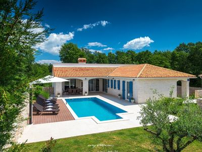 Photo for Delightful villa with pool near Rabac