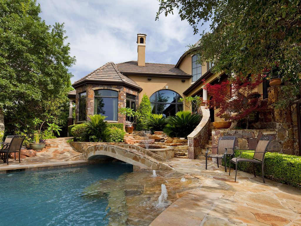 luxury home with private pool and stunning homeaway gate