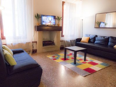 Photo for Spacious and beautiful 60 sqm apartment in the very heart of Bologna.