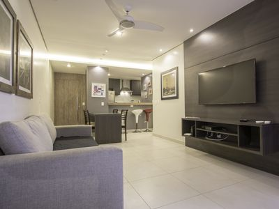Photo for Sophistication and comfort for up to 8 people in Copacabana