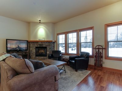 Photo for Charming condo w/ lake access & great location close to skiing & Silverwood