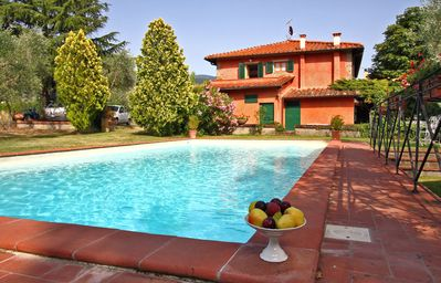 Photo for Charming villa for 10 near Florence