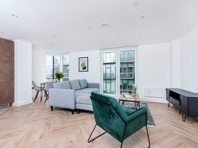 Photo for Beautiful 3BR Apartment in the heart of the City