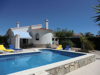 Photo for VILLA without screw has screw (closed park, private swimming pool, wifi)