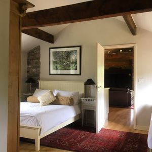 Photo for Escape to a lovely vineyard cottage near the Somerset Levels
