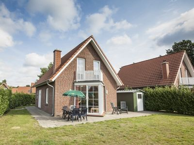Photo for 8-person bungalow in the holiday park Landal Dwergter Sand - on the water/recreation lake