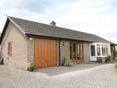 Photo for YR HEN FFALD, family friendly in Pontarddulais, Ref 965723