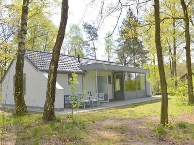 Photo for High quality totally detached bungalow on small nature-filled holiday park