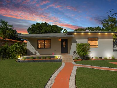 Photo for Miami Villa close to Beach/Wynwood/Airport/Design District & Free gated Parking.