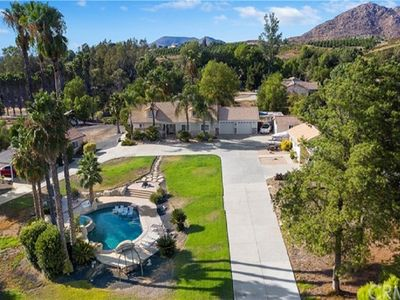 Photo for Beautiful and private House in Wine Country, Temecula with pool