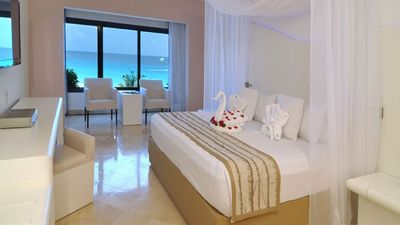 Photo for 1BR Hotel Suites Vacation Rental in Cancún, QROO