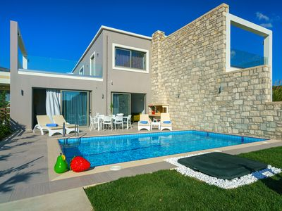 Photo for ★Beachfront★Luxury villa Iakinthos with Private Pool★30m to Amenities+BBQ area!