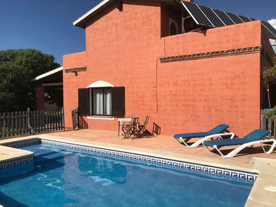 Photo for Holiday villa with private pool, at 300 m from the beach. Sleeps 4-8