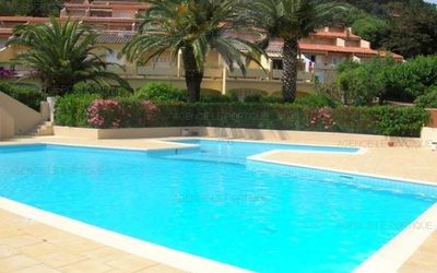 Photo for RENT APARTMENT Pramousquier, district of Le Lavandou edge of beach, apartment T2 4 ...