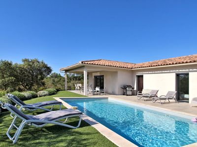 Photo for Superb house in the middle of the maquis and at the gates of the beaches