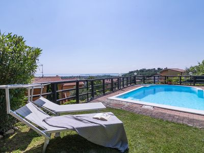 Photo for Charming house with private pool - Rustico Belvedere
