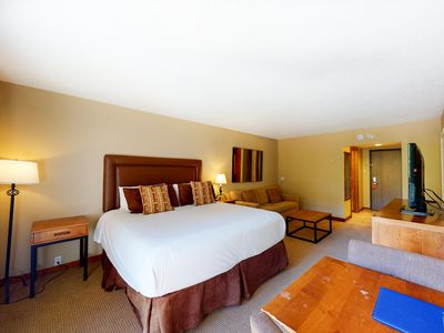 Photo for Family-friendly hotel room w/shared hot tub, pool, gym, and airport shuttle!