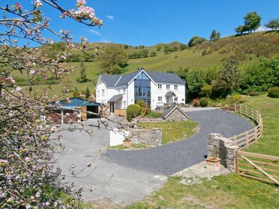 Photo for 4 bedroom accommodation in Llandeilo