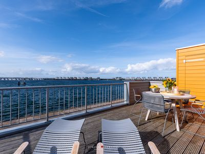 Photo for Hafenkieker-OG: fireplace, terrace, wellness bath with infrared sauna and whirlpool, sea view