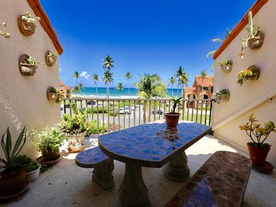 Photo for Amazing villa on the Sea, sleeps  up to 13, Patio facing Ocean, Renovated