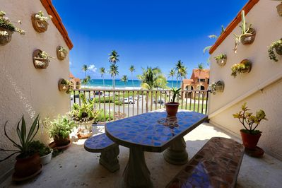 Amazing villa on the Sea, sleeps up to 13, Patio facing Ocean, Renovated -  Humacao