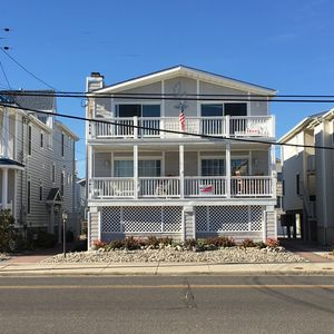 Photo for Beautiful 2nd Floor Condo! Few Steps From 54th St Beach! Free WIFI!