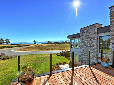 Photo for Luxurious 3 Bedroom Executive Ocean View Estate