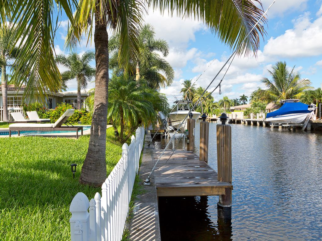 Pompano Palms Paradise - Renovated waterfront... - HomeAway Garden Isles