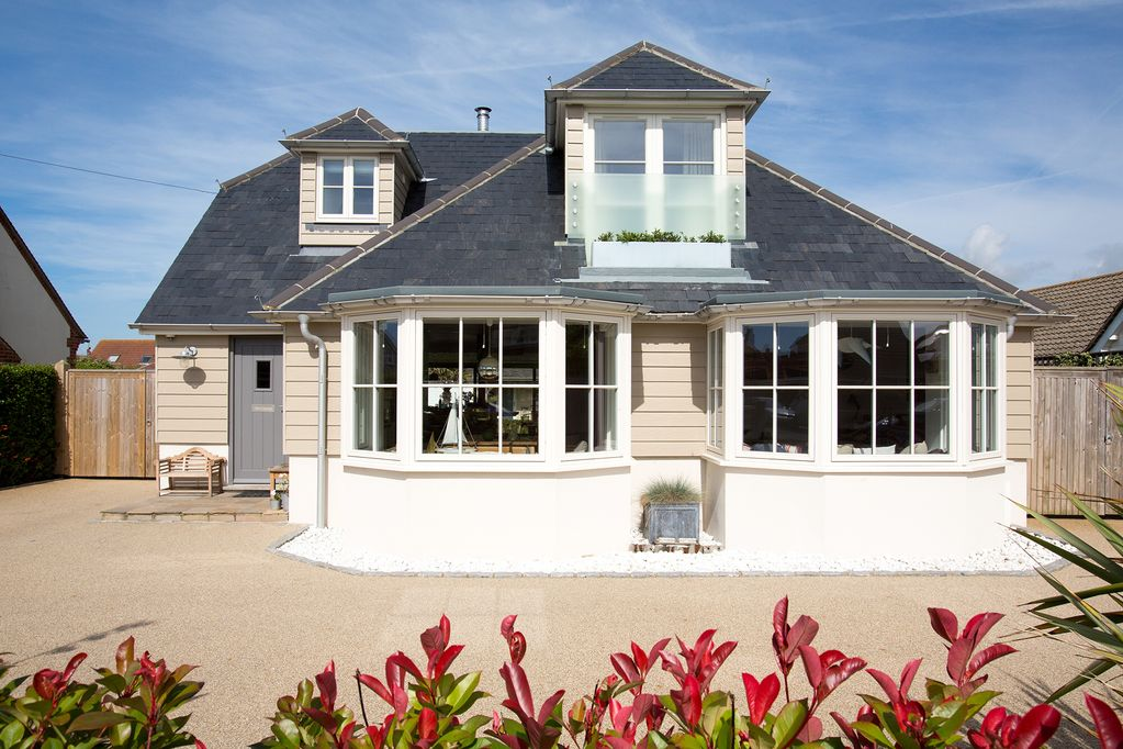 aeff40752 Stunning Coastal home only 2min walk to Beach at Wittering, 10min walk to  shops